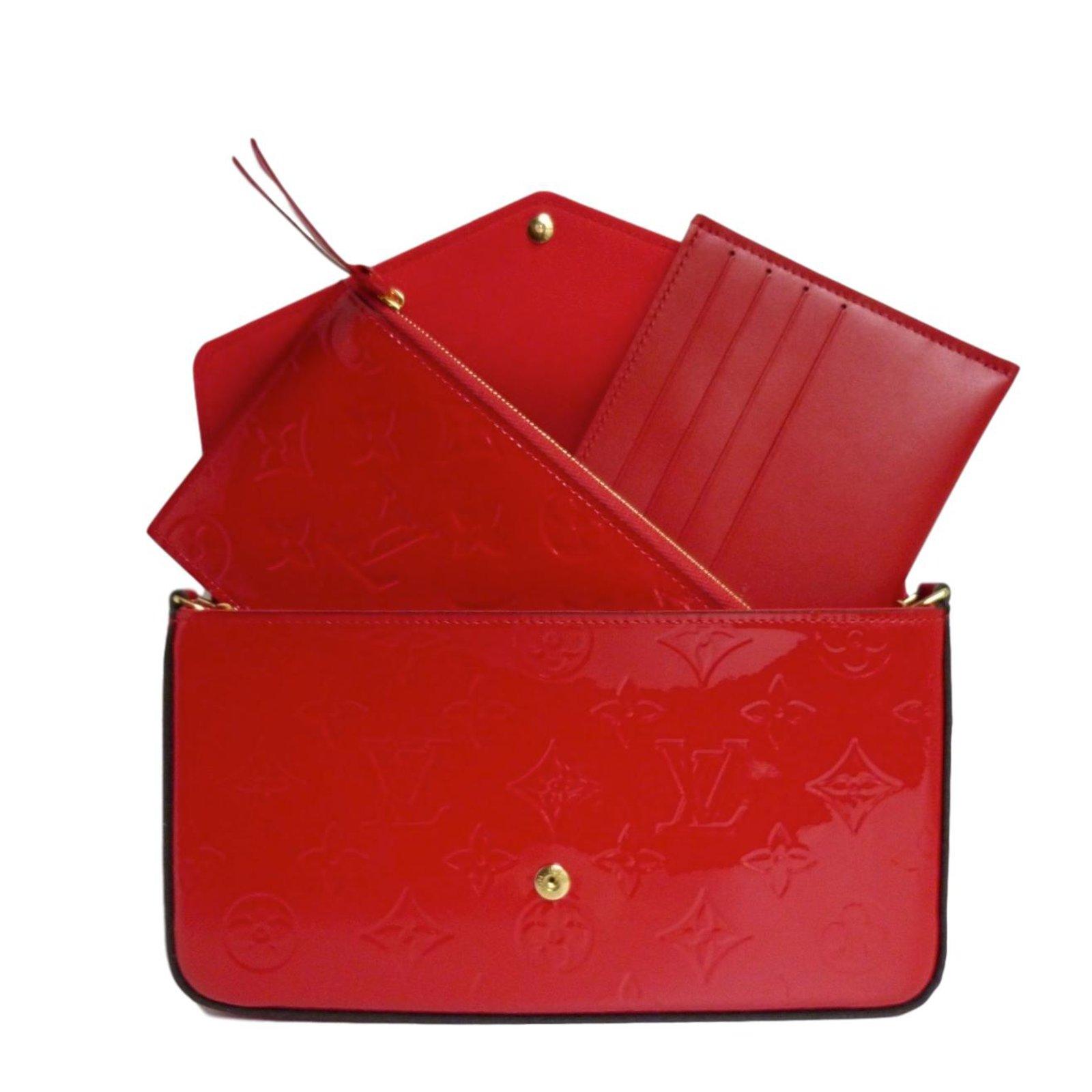 326f12bb25ee Pochettes Louis Vuitton Pochette Félicie en cuir verni rouge cerise Cuir vernis  Rouge ref.71273 - Joli Closet
