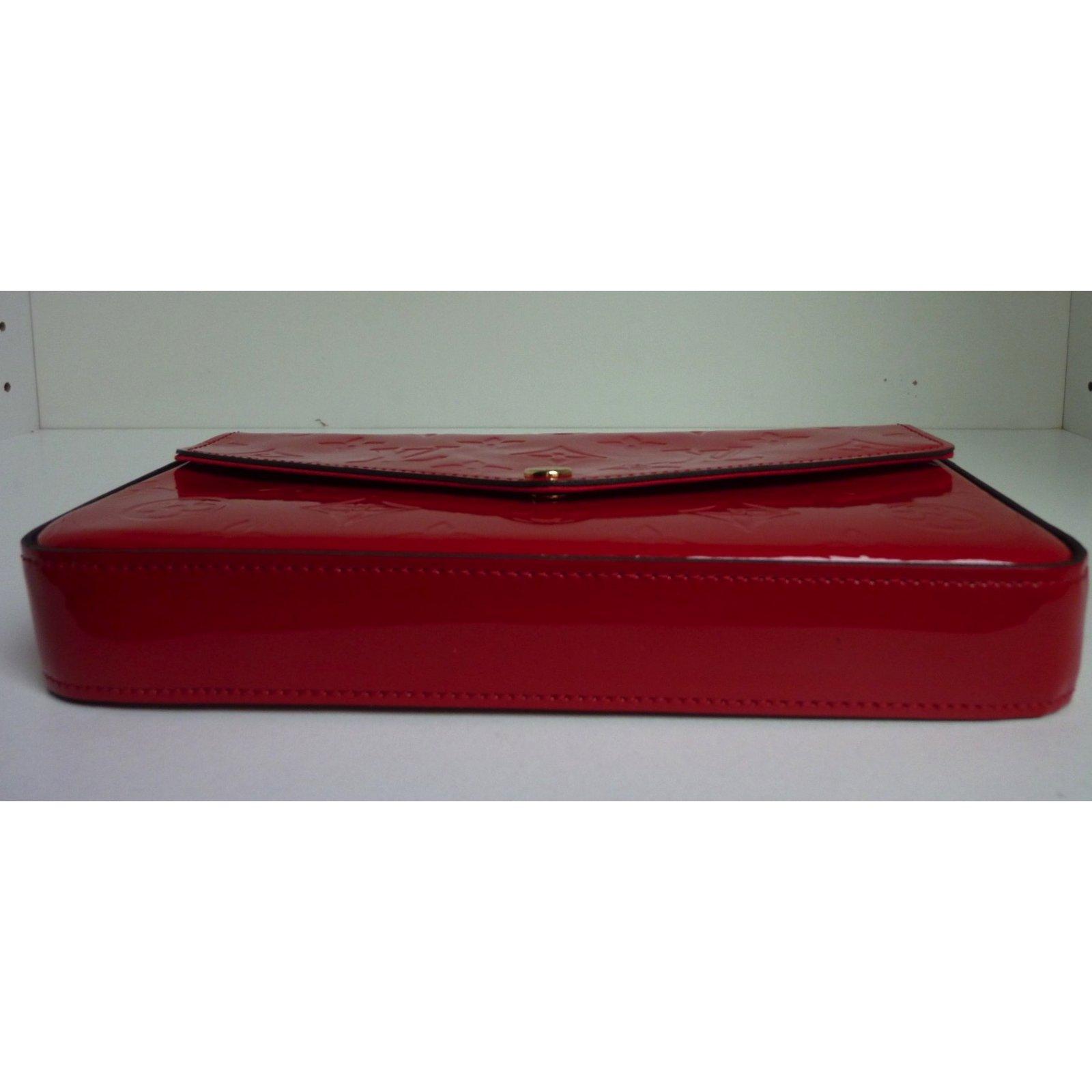 nouvelles photos livraison rapide meilleur service Pochettes Louis Vuitton Pochette Félicie en cuir verni rouge ...