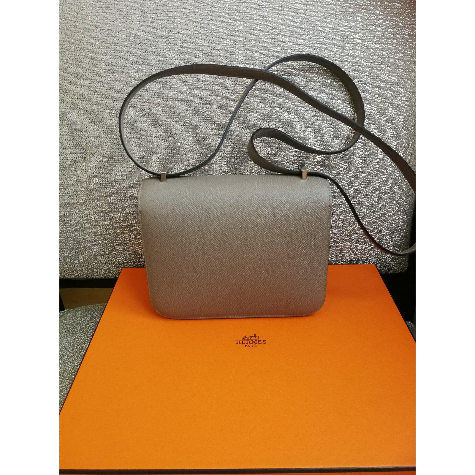 5552aeb81e Hermès Constance Mini Handbags Leather Grey ref.72688 - Joli Closet