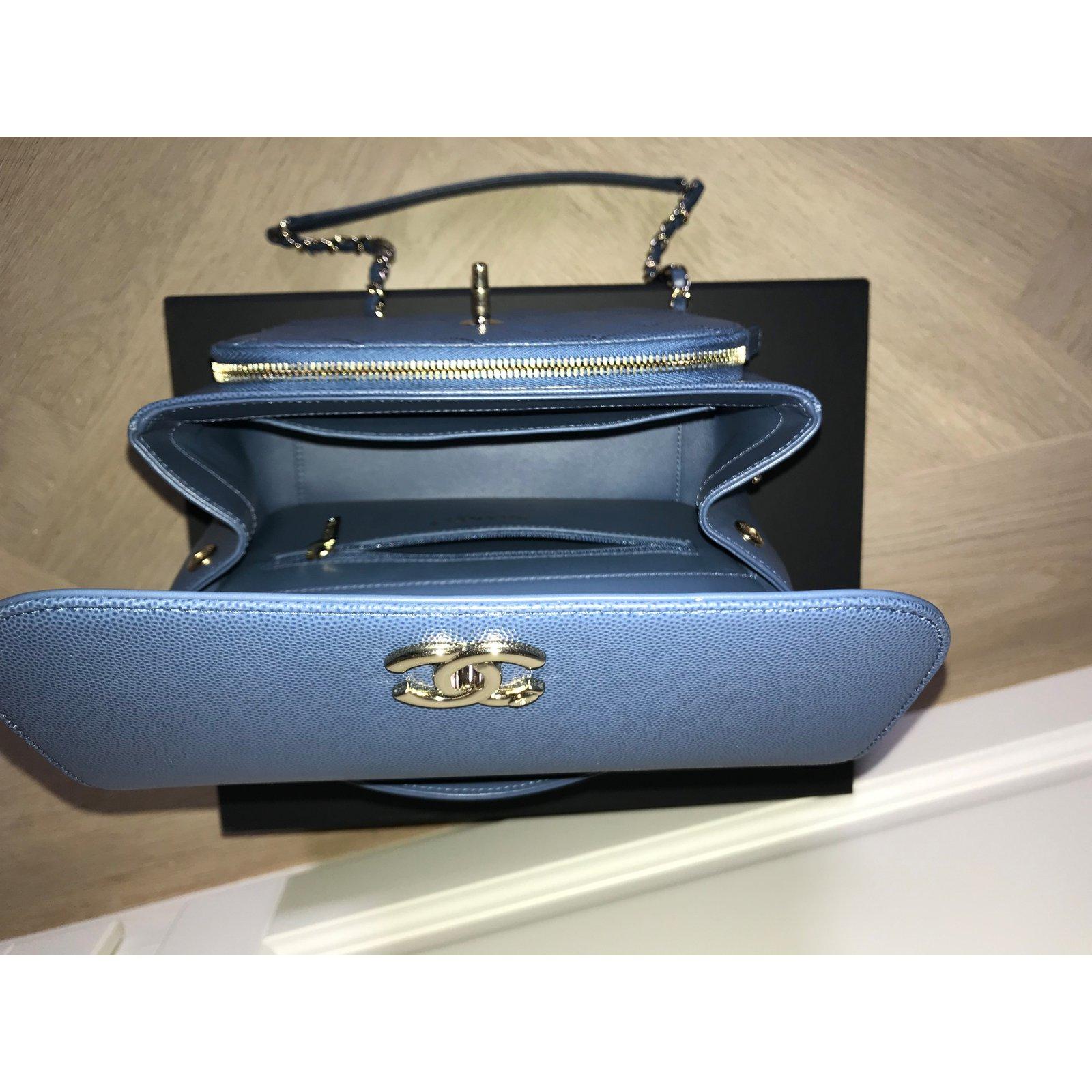 37a24f4996ea Chanel Affinity Handbags Leather Blue ref.72712 - Joli Closet