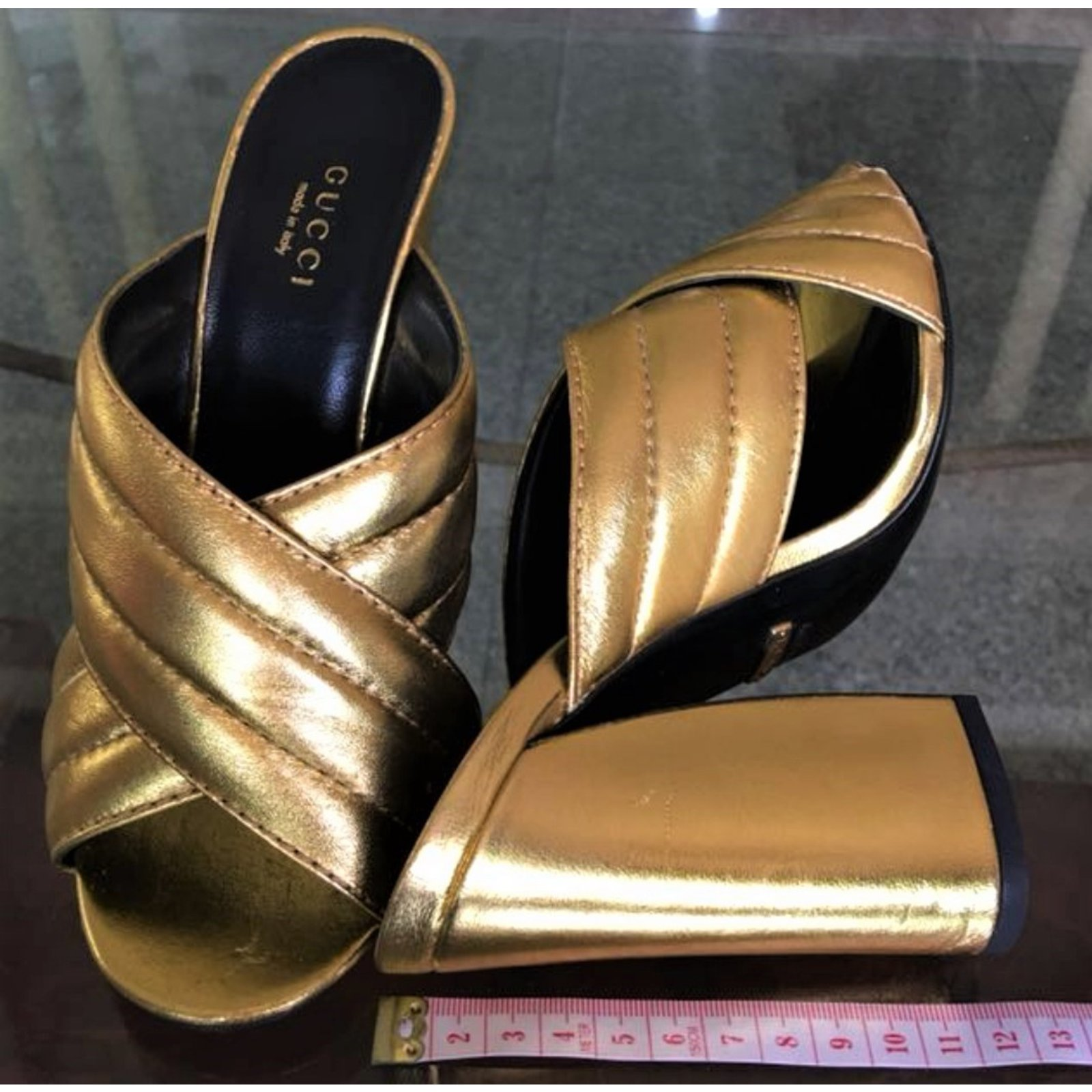 546110135e6 Gucci Gold Webby Mules Sandals Sandals Leather Golden ref.73605 - Joli  Closet