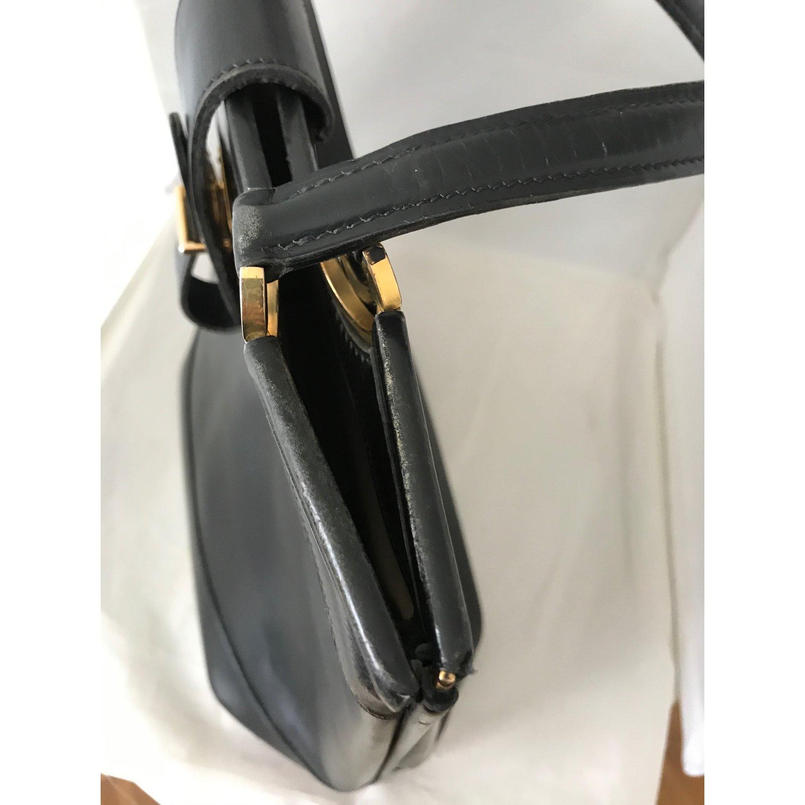 b5c22b99bc8b Hermès Berry Handbags Leather Black ref.74540 - Joli Closet