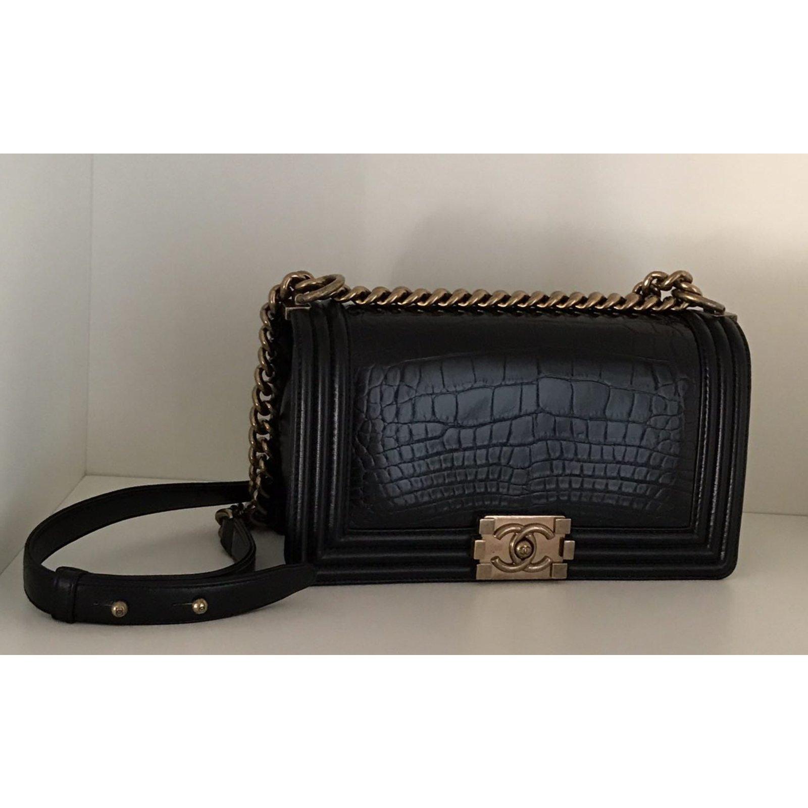 bdd7d3de4c2bed Chanel Boy Handbags Exotic leather Black ref.75452 - Joli Closet