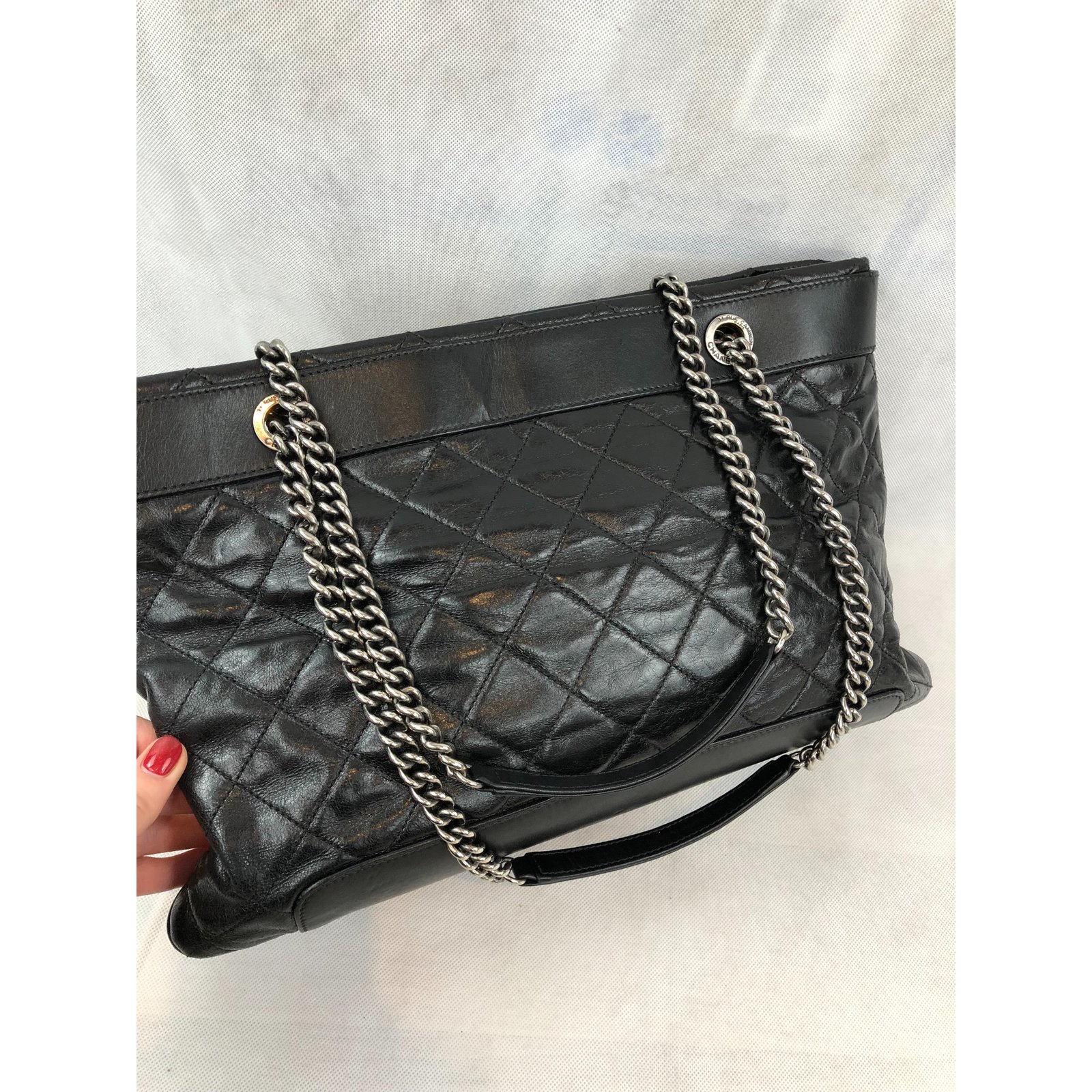 Facebook · Pin This. Chanel Handbags Handbags Leather Black ref.78325 5c5bcd89f103f