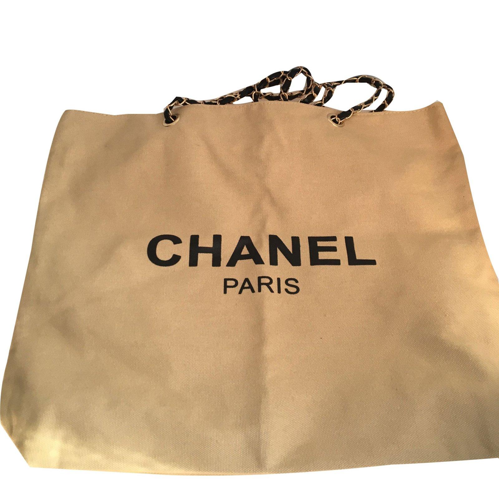 a63437e34ccdb6 Chanel Chanel beige bag vip gift 2018 Gold chain Totes Cloth Beige  ref.79403 - Joli Closet