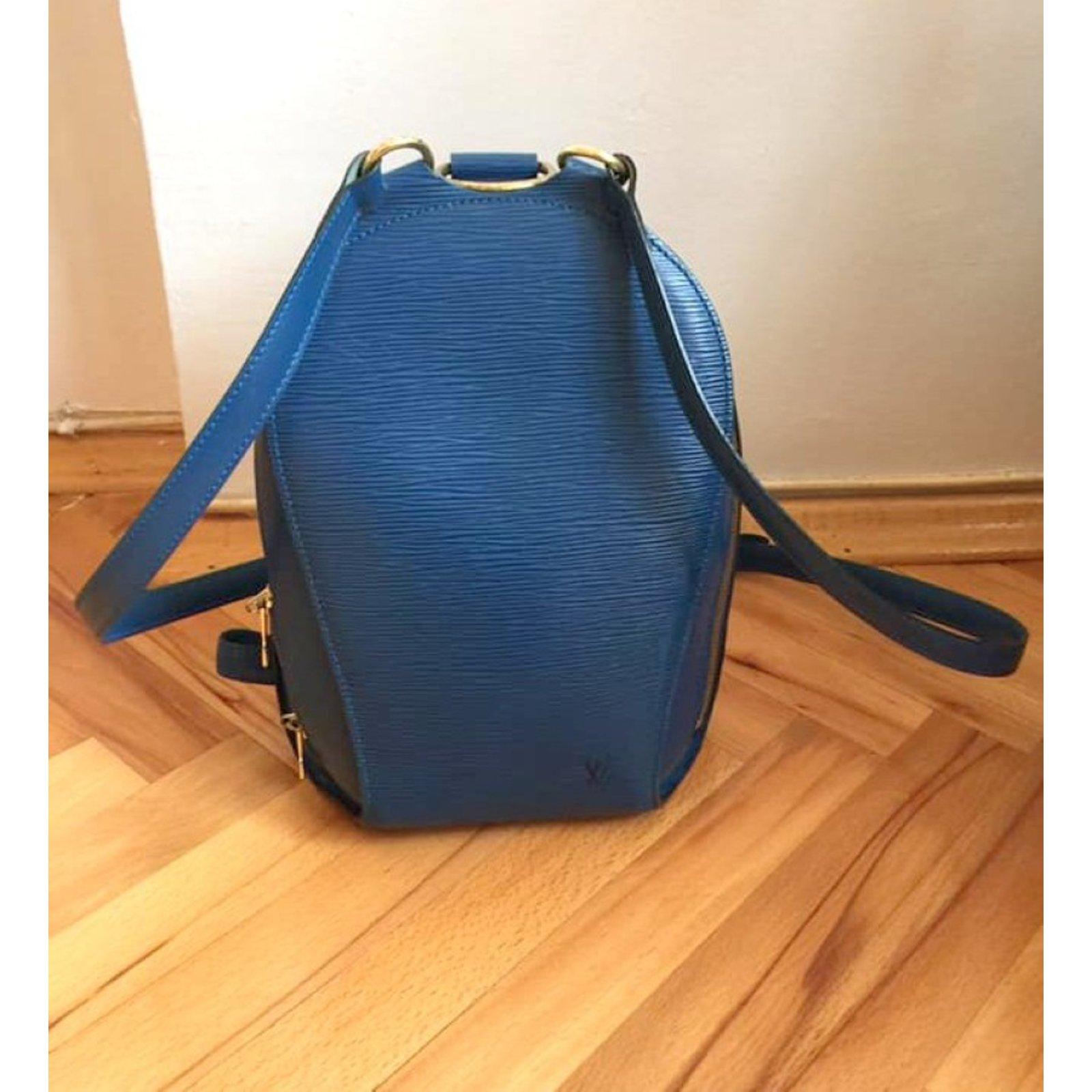 261dbaebc6bf Louis Vuitton Backpacks Backpacks Leather Blue ref.81116 - Joli Closet