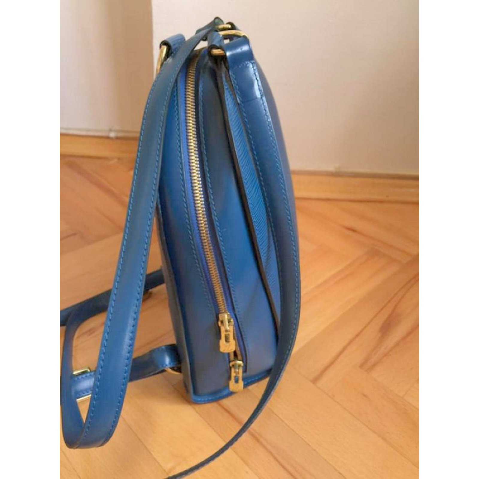 261dbaebc6bf Louis Vuitton Backpacks Backpacks Leather Blue ref.81116 - Joli Closet