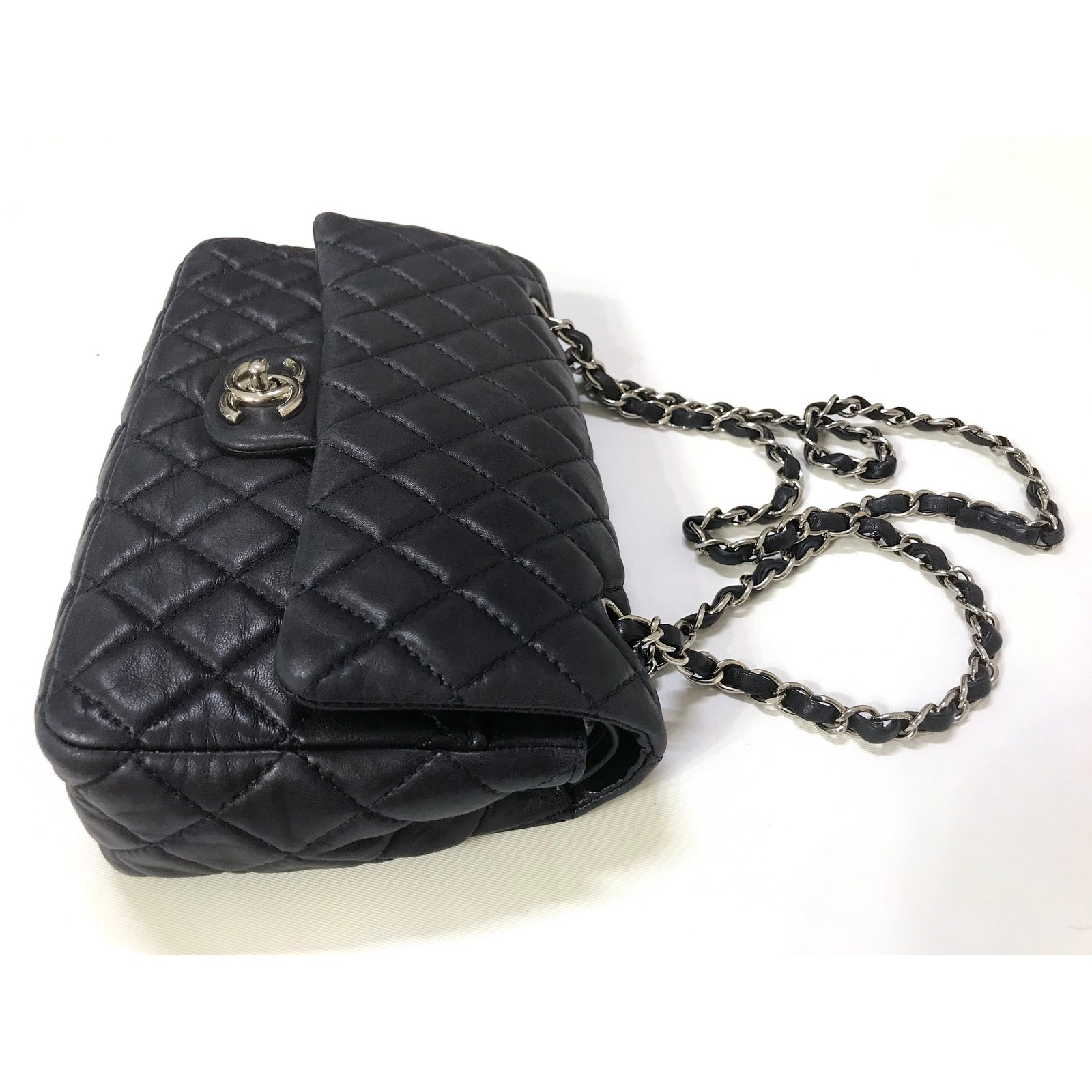 139354908682f4 Facebook · Pin This. Chanel Timeless Medium Double Flap Bag Handbags  Leather Navy blue ...