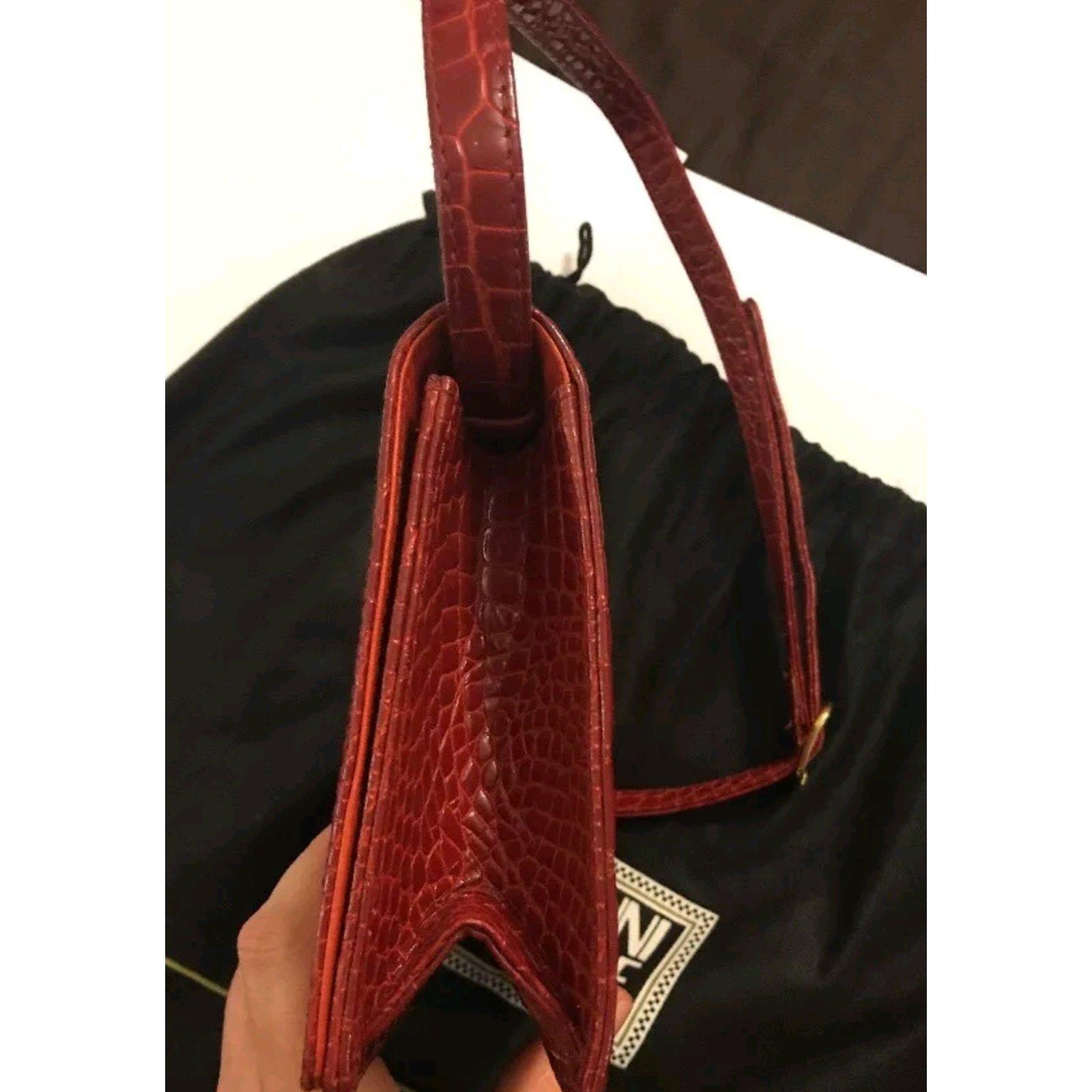 3af93318d9 Gianni Versace vintage couture croc bag Handbags Leather Dark red ref.84315  - Joli Closet