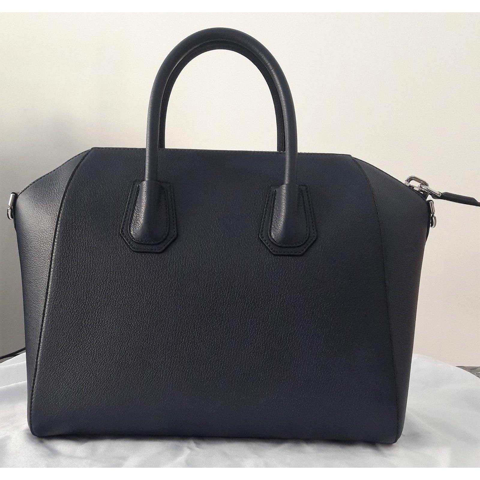 e3a2b7b568 Givenchy Antigona Handbags Leather Blue ref.85566 - Joli Closet