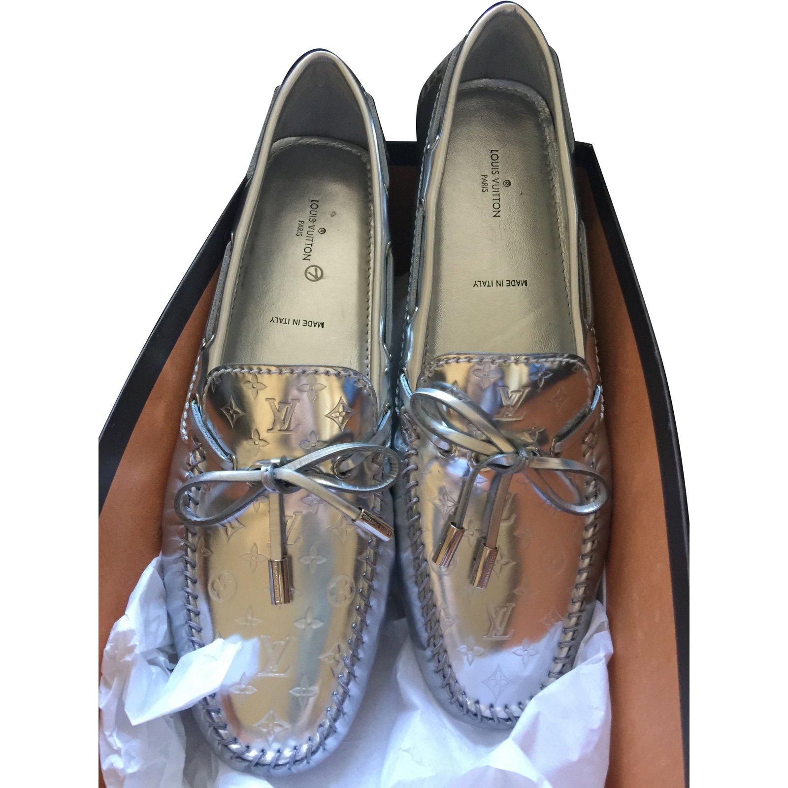 b492cd5b6c5d Louis Vuitton Gloria Flat Loafer Flats Patent leather Silvery ref.87546 -  Joli Closet