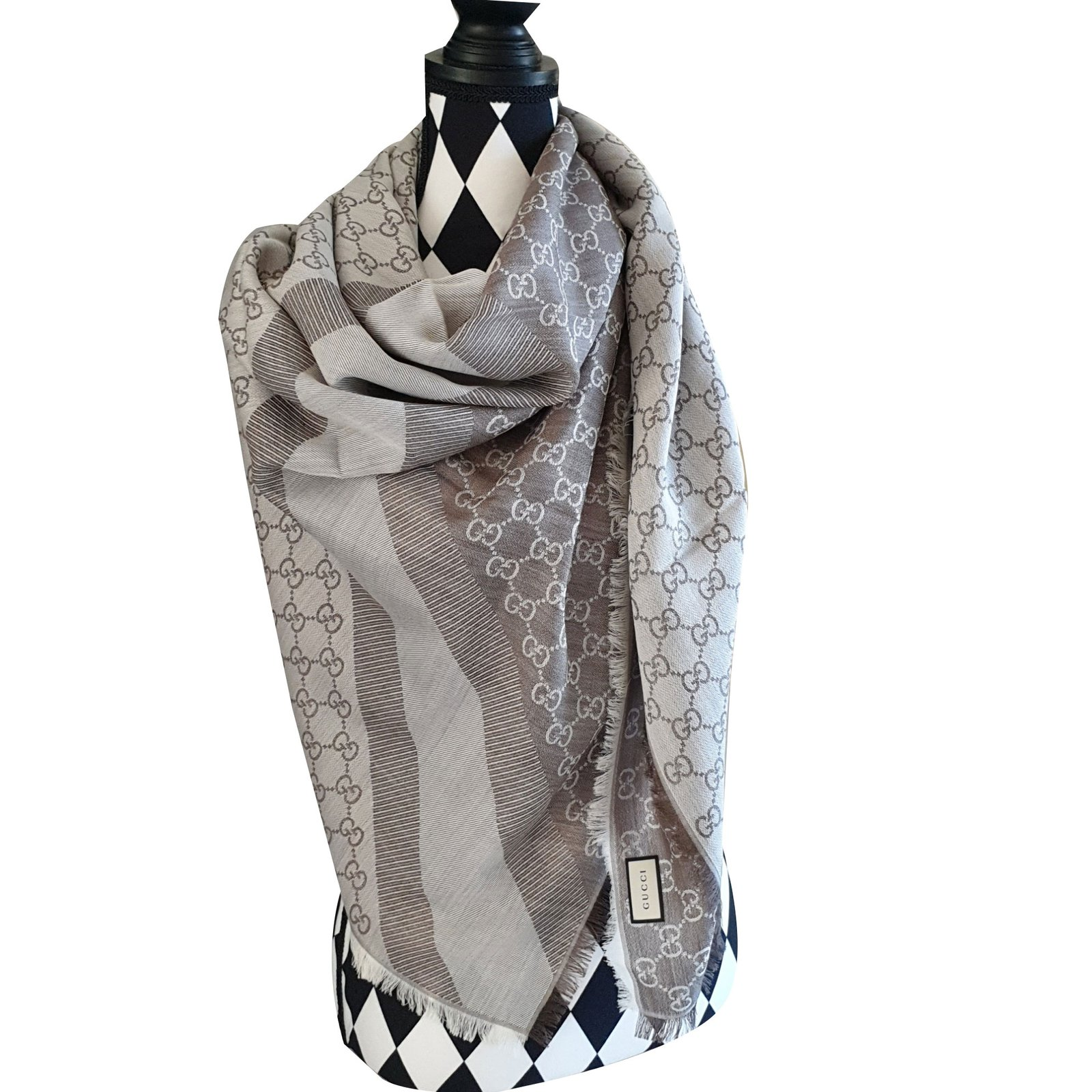 Carrés Gucci Etole Laine Beige ref.88703 - Joli Closet ade8586cbbd