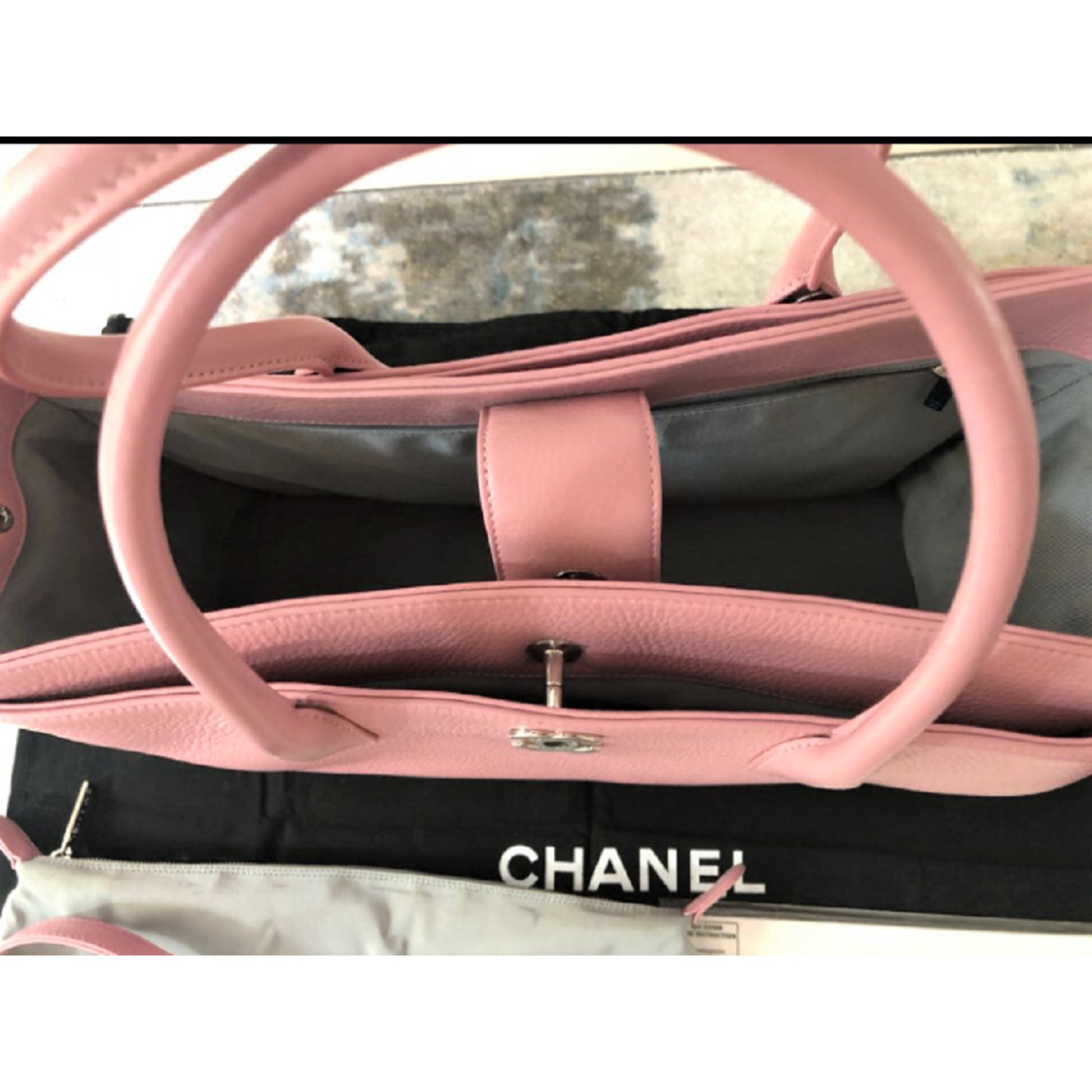 Chanel Pink Executive Cerf Tote Handbags Leather Pink Ref 88976 Joli Closet