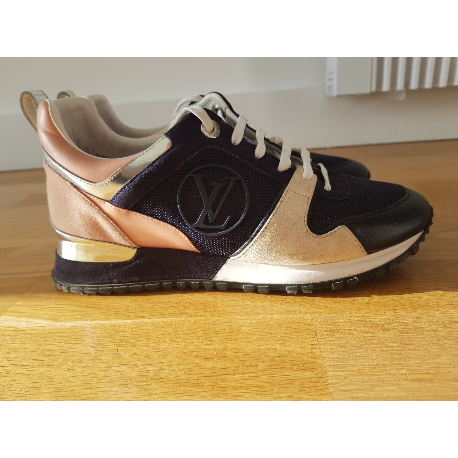 ff5da52498b Louis Vuitton Runaway trainers Sneakers Suede