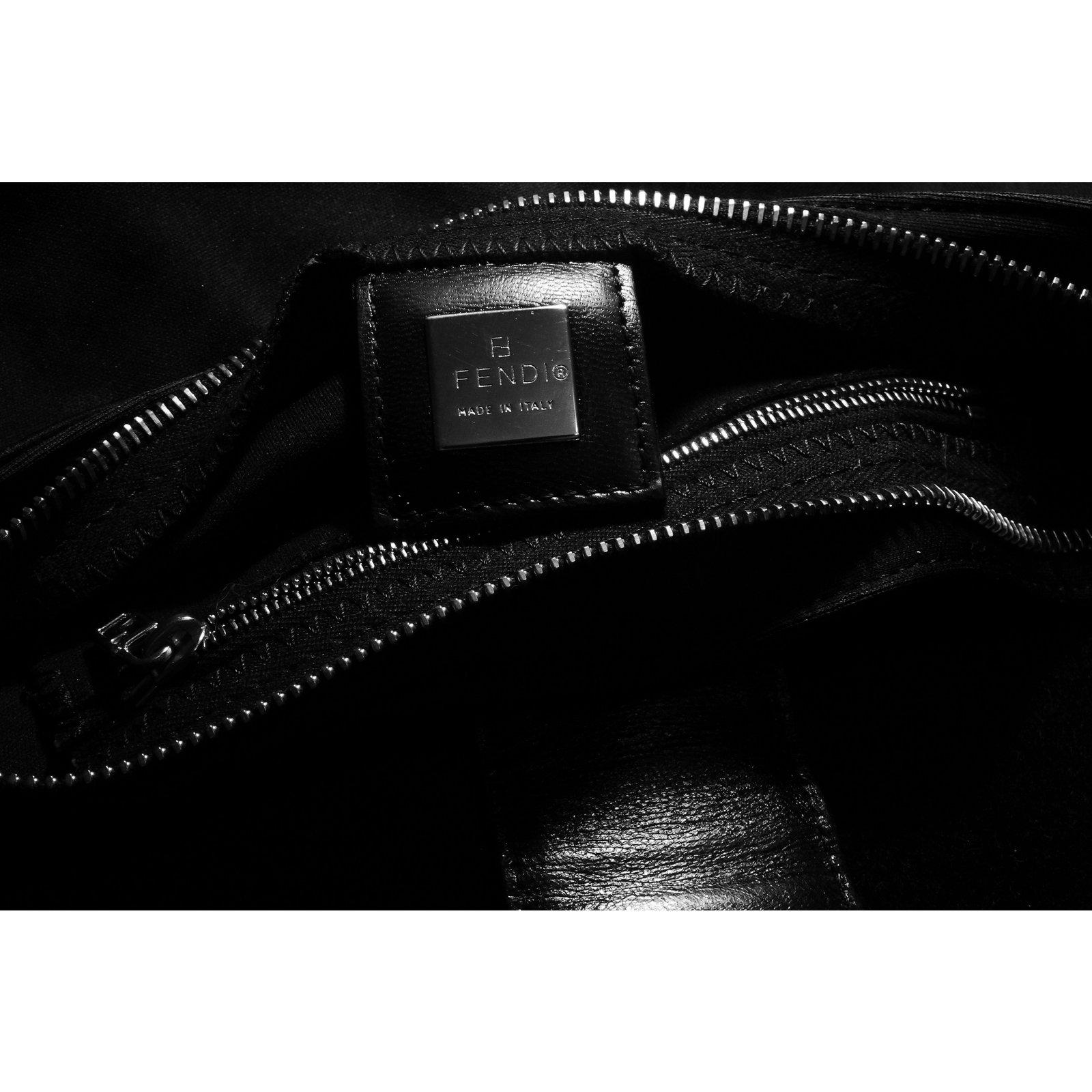 0e4e0aaac4c6 Fendi Classic Baguette Nylon   Leather Shoulder Bag Handbags Leather ...