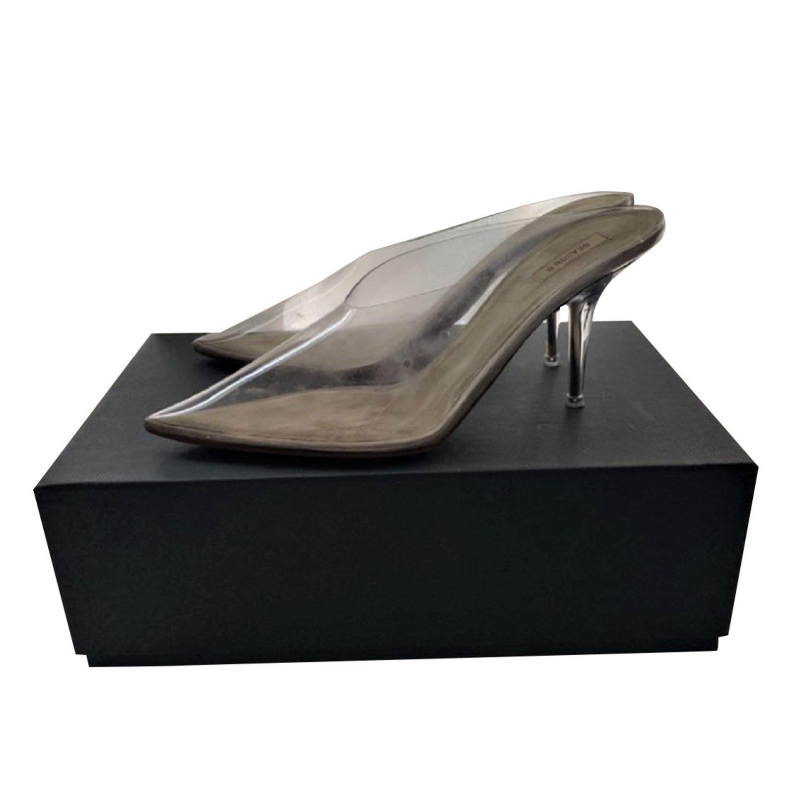6feb500e669 Yeezy Season 6 clear heels mules Heels Plastic Beige ref.93367 - Joli Closet