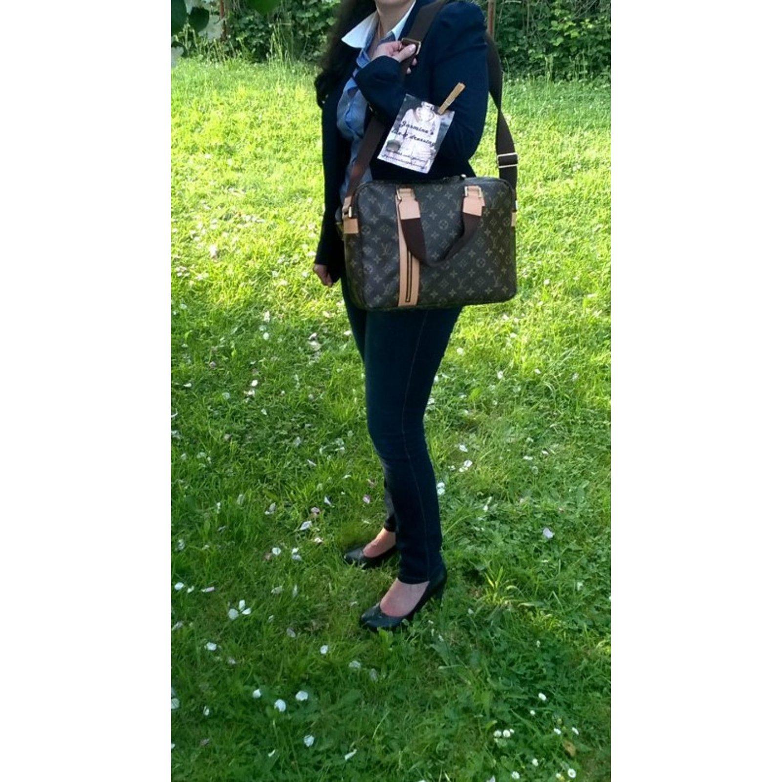 Sacs à main Louis Vuitton Sac, porte document, cartable, sac de voyage,  laptop case Cuir Marron ref.93461 - Joli Closet bd2c09d356d