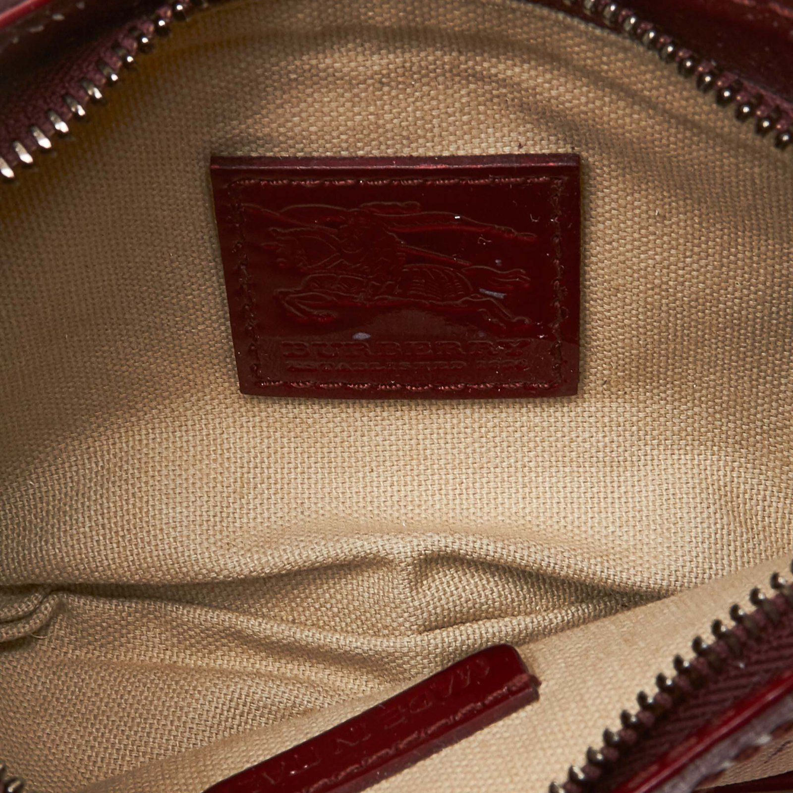 f3957dff7008 Burberry Heart Nova Check Baguette Handbags Leather