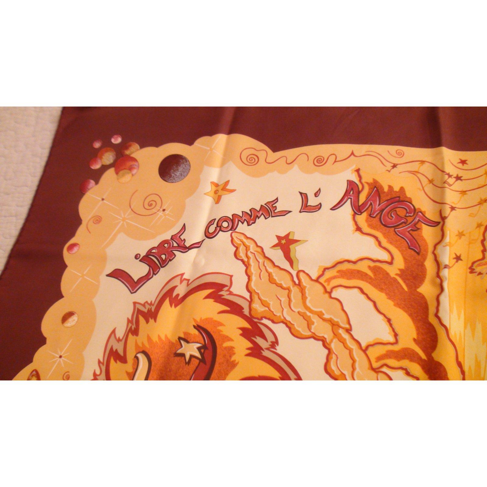 Carrés Hermès Libre comme l ange Soie Marron,Orange ref.100590 - Joli Closet a55dfb6d1e8