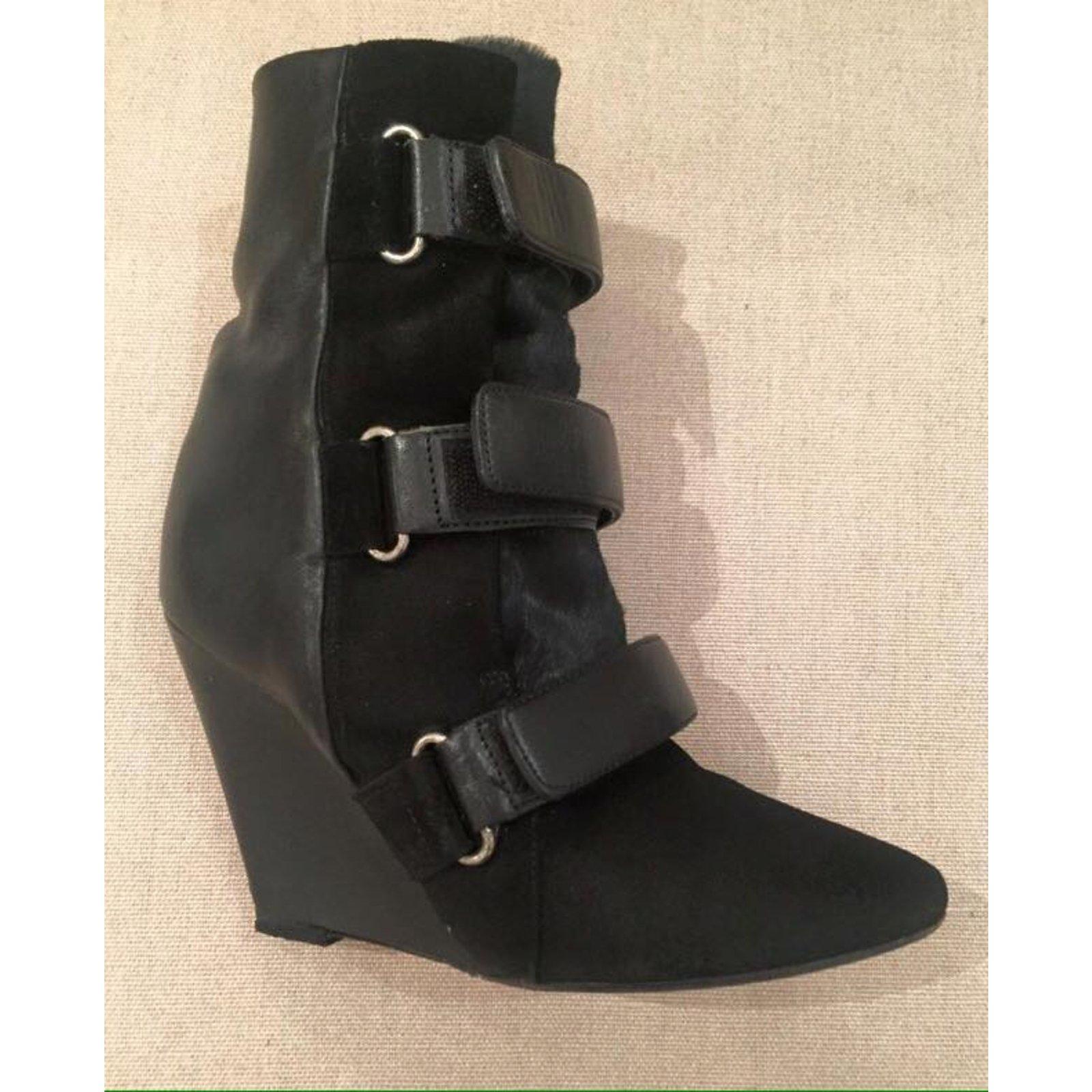 b44a99f37a8fa Isabel Marant SCARLET Boots Leather,Pony-style calfskin Black ref.101058 -  Joli Closet