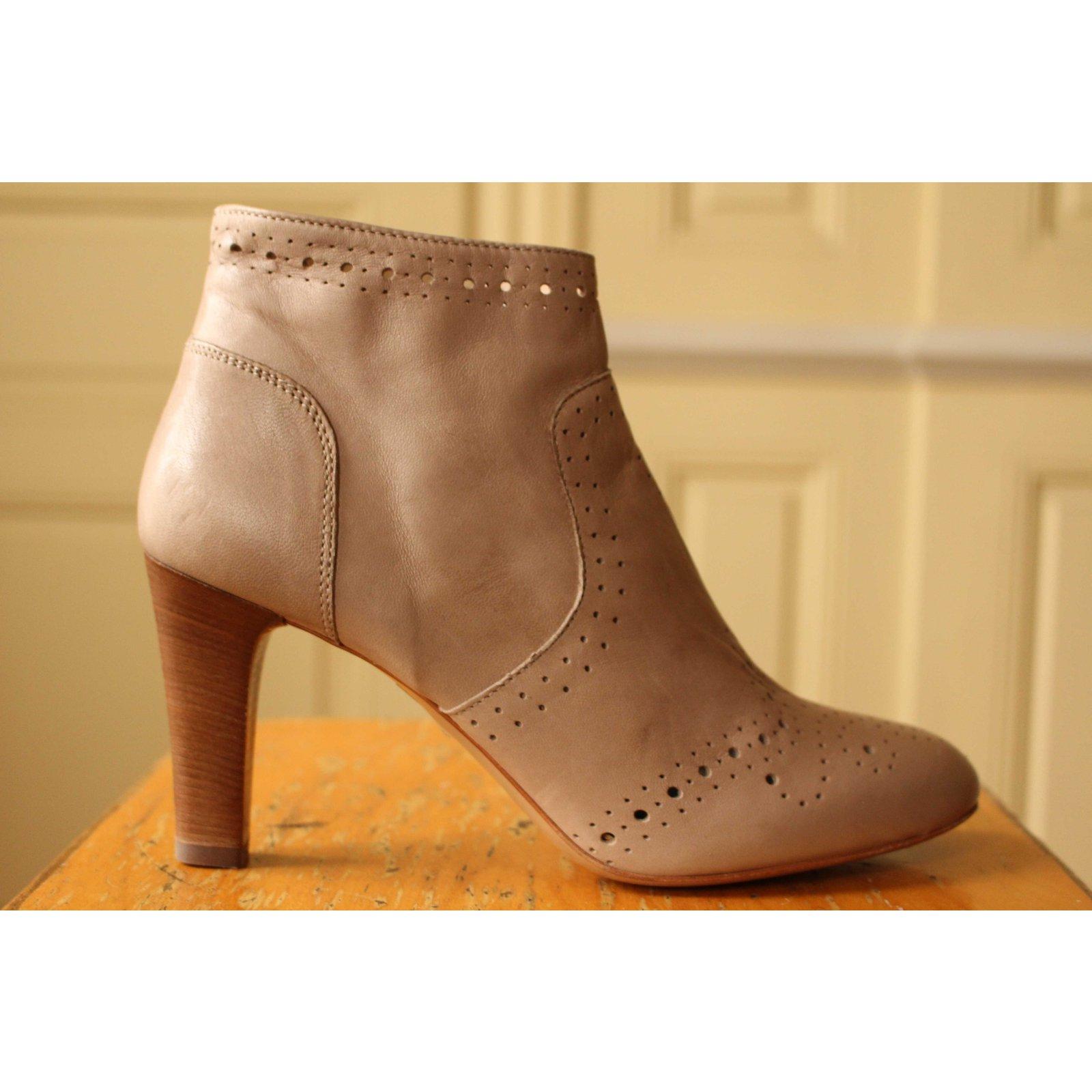 Autre Marque Flowered toe boots Ankle Boots Leather Beige ref.101583 - Joli Closet
