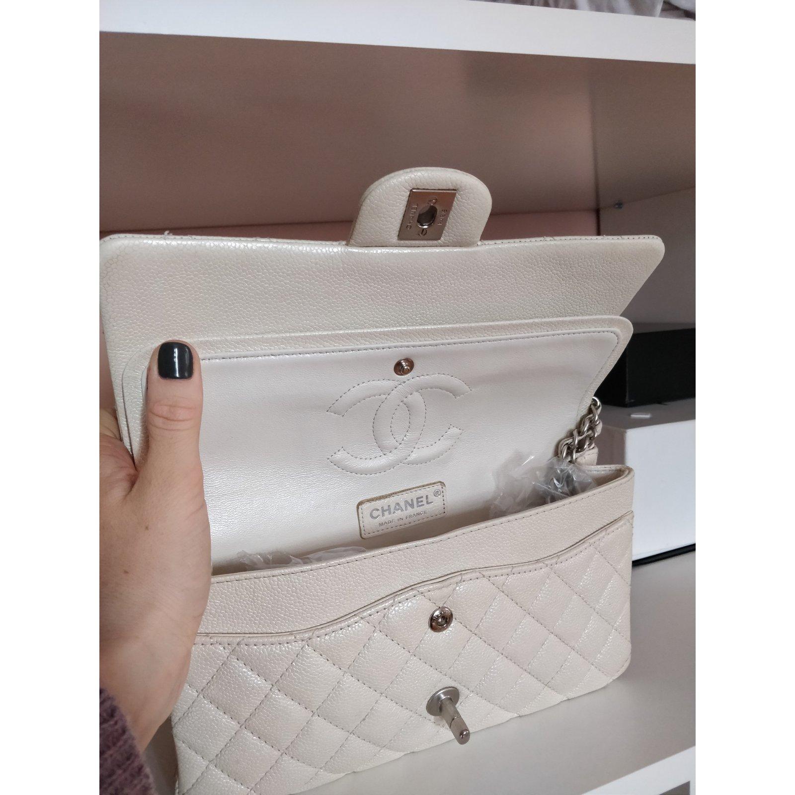 569eafe476d5 Chanel 2.55 timeless classic caviar Handbags Leather Cream ref.103802 -  Joli Closet
