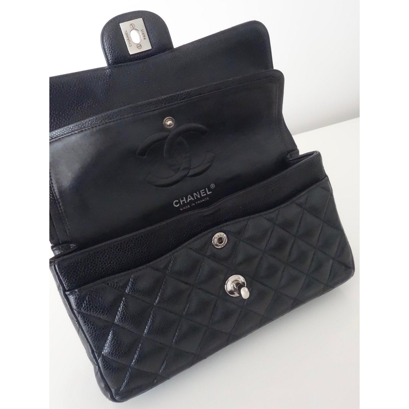 8477266856b9 Chanel CLASSIC CHANEL BAG Handbags Leather Black ref.105060 - Joli Closet