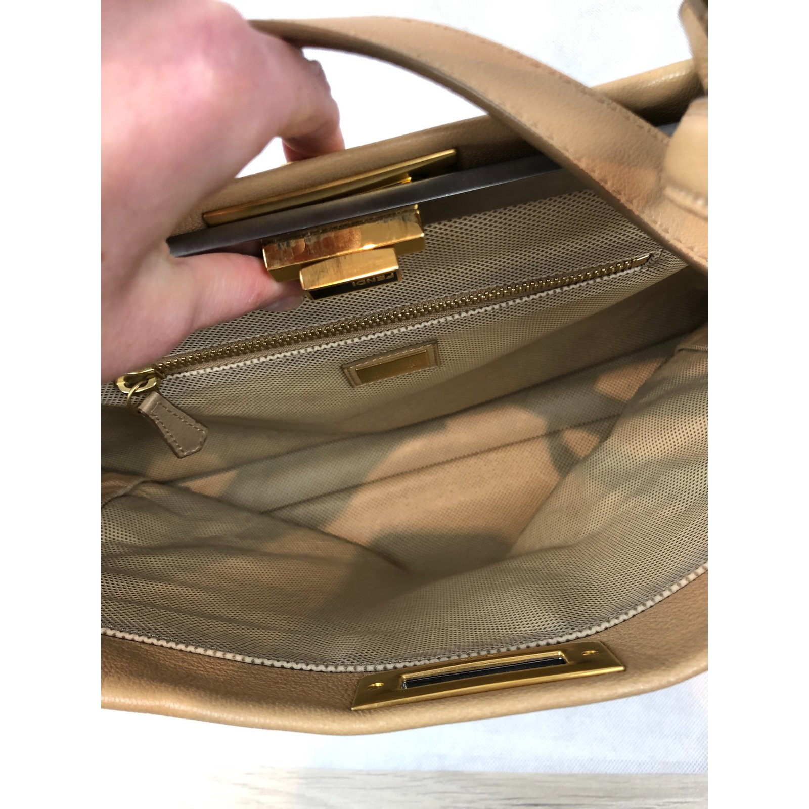 Fendi PEEKABOO Handbags Leather Beige ref.108892 - Joli Closet f75c858b9c93c