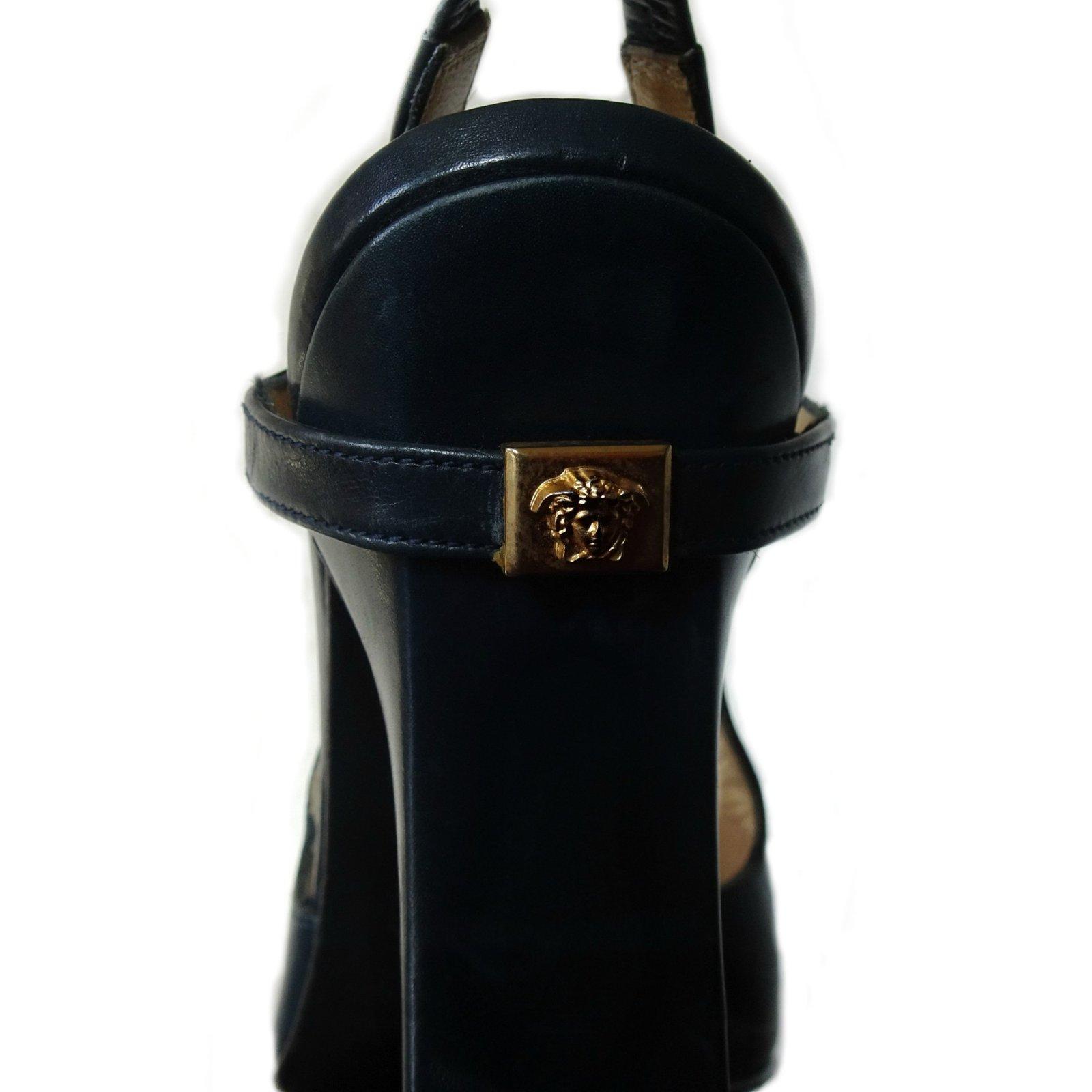 27248073b5c Escarpins Gianni Versace méduse Cuir Bleu foncé ref.109278 - Joli Closet