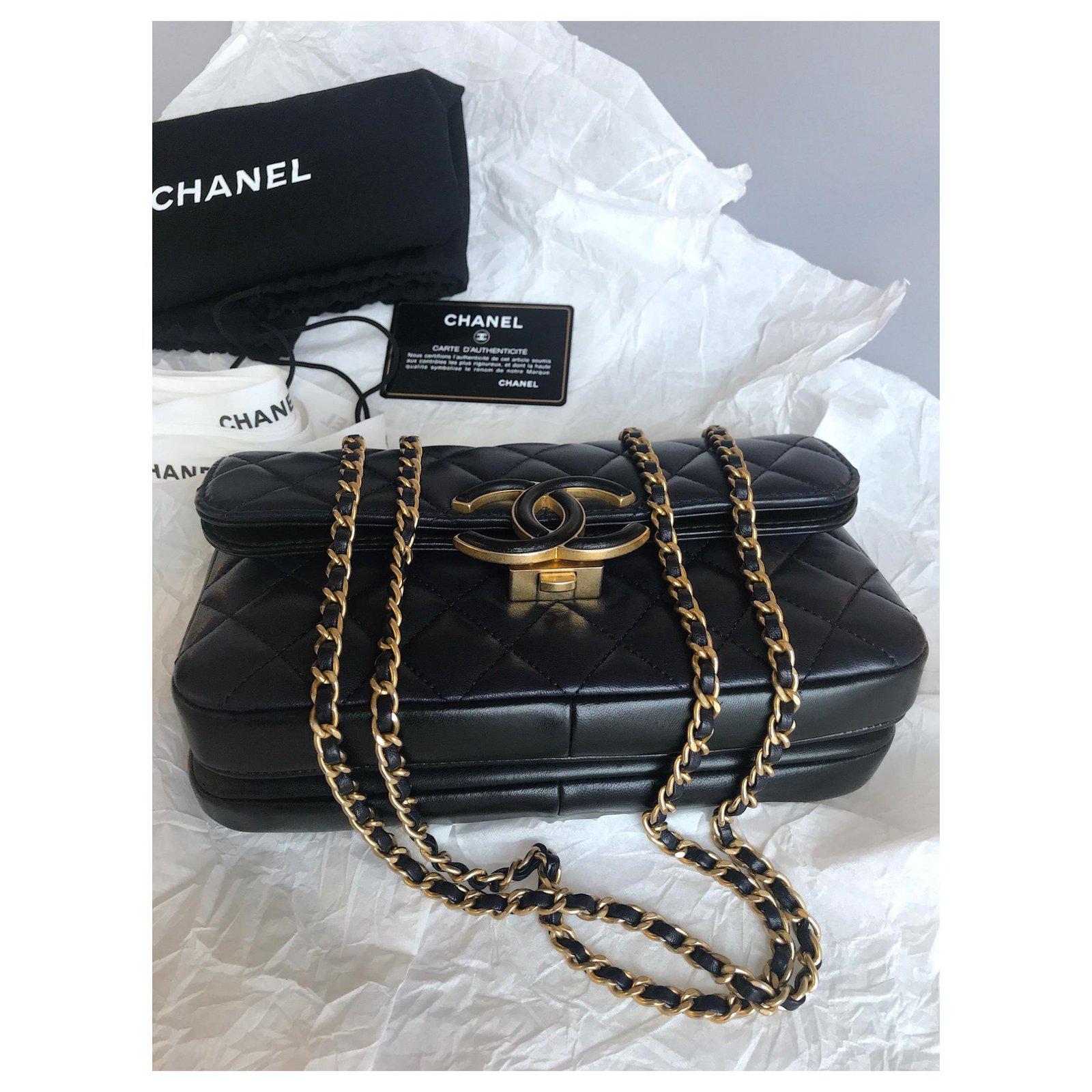 63b9e61183c8 Chanel 2018 Avec carte ,Boite, dustbag! Handbags Leather Black,Navy  blue,Dark blue ref.113294 - Joli Closet