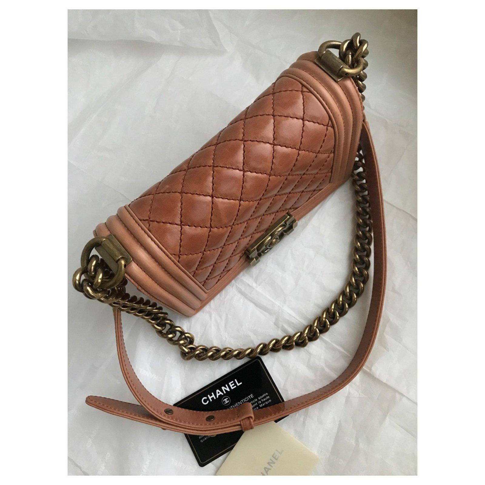 2f3f462b4d96 Chanel Never worn w/card Small Boy Flap Bag Handbags Leather Other  ref.120858 - Joli Closet