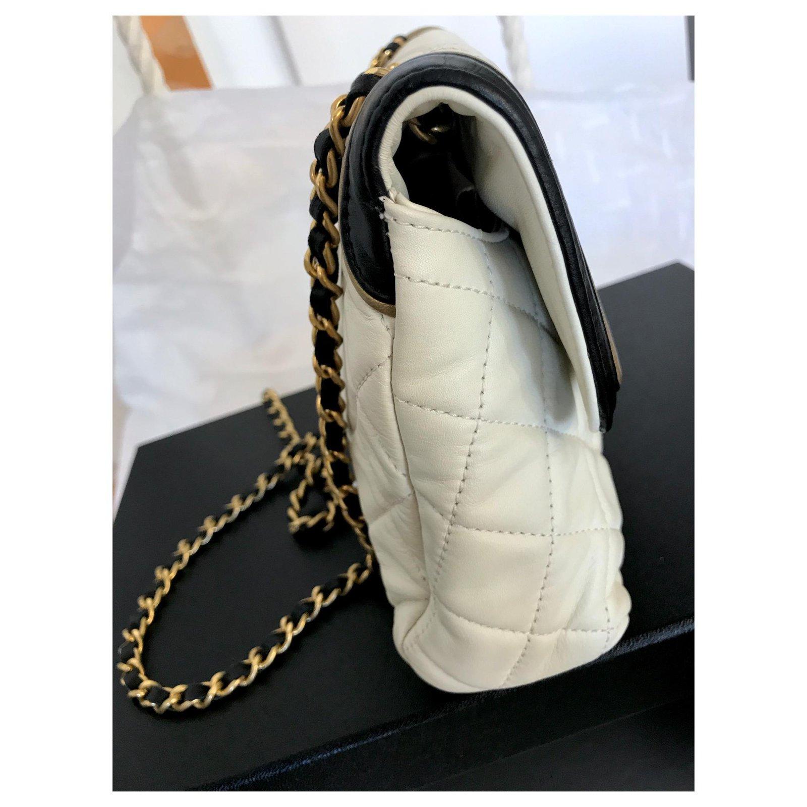 c38ab0ad7225 Chanel Crossbody shoulder flap bag Handbags Leather Beige,Cream ref.122133  - Joli Closet