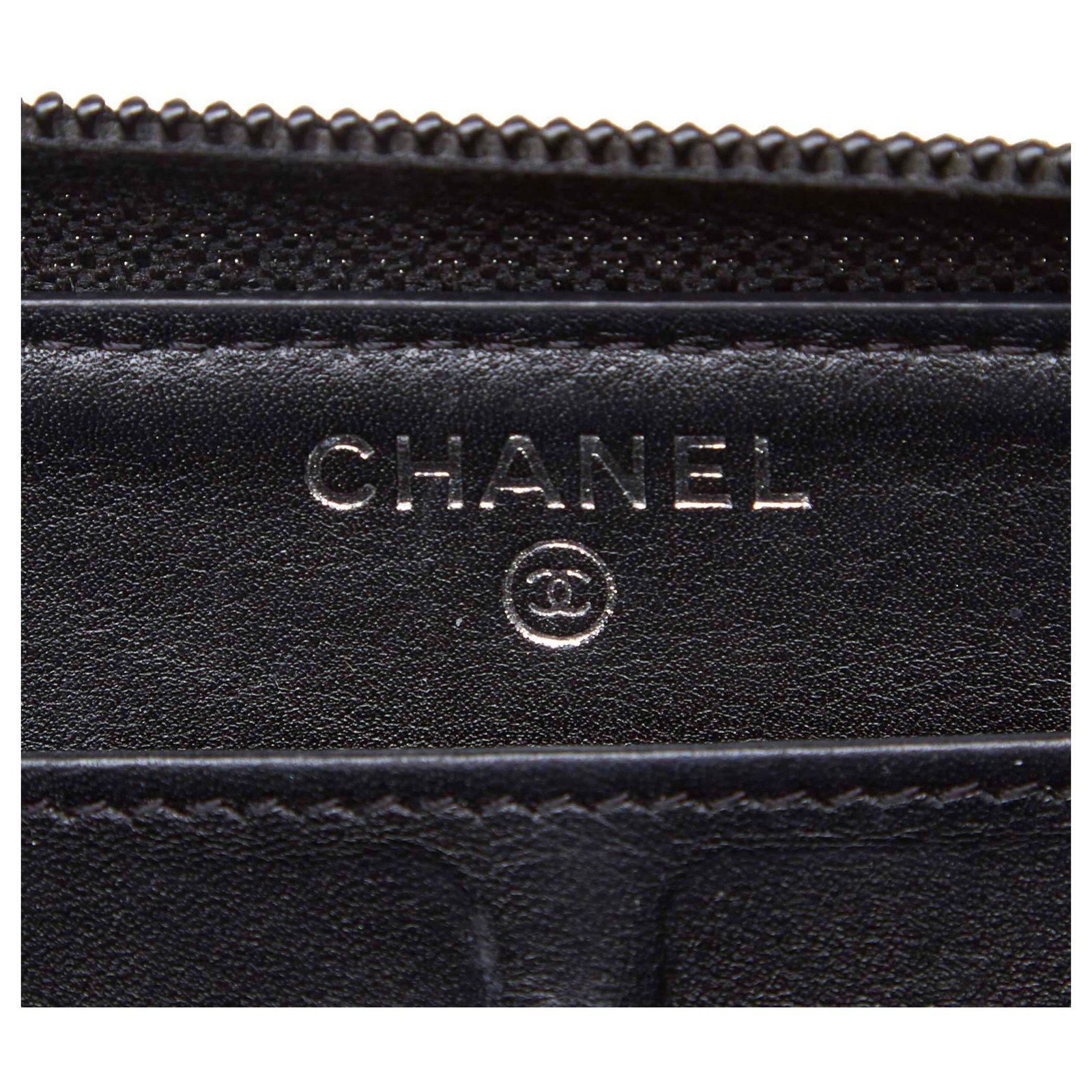 65fbbeb50046 Chanel Chanel Black Patent Leather Boy Long Wallet Purses, wallets, cases  Leather,Patent leather Black ref.122924 - Joli Closet