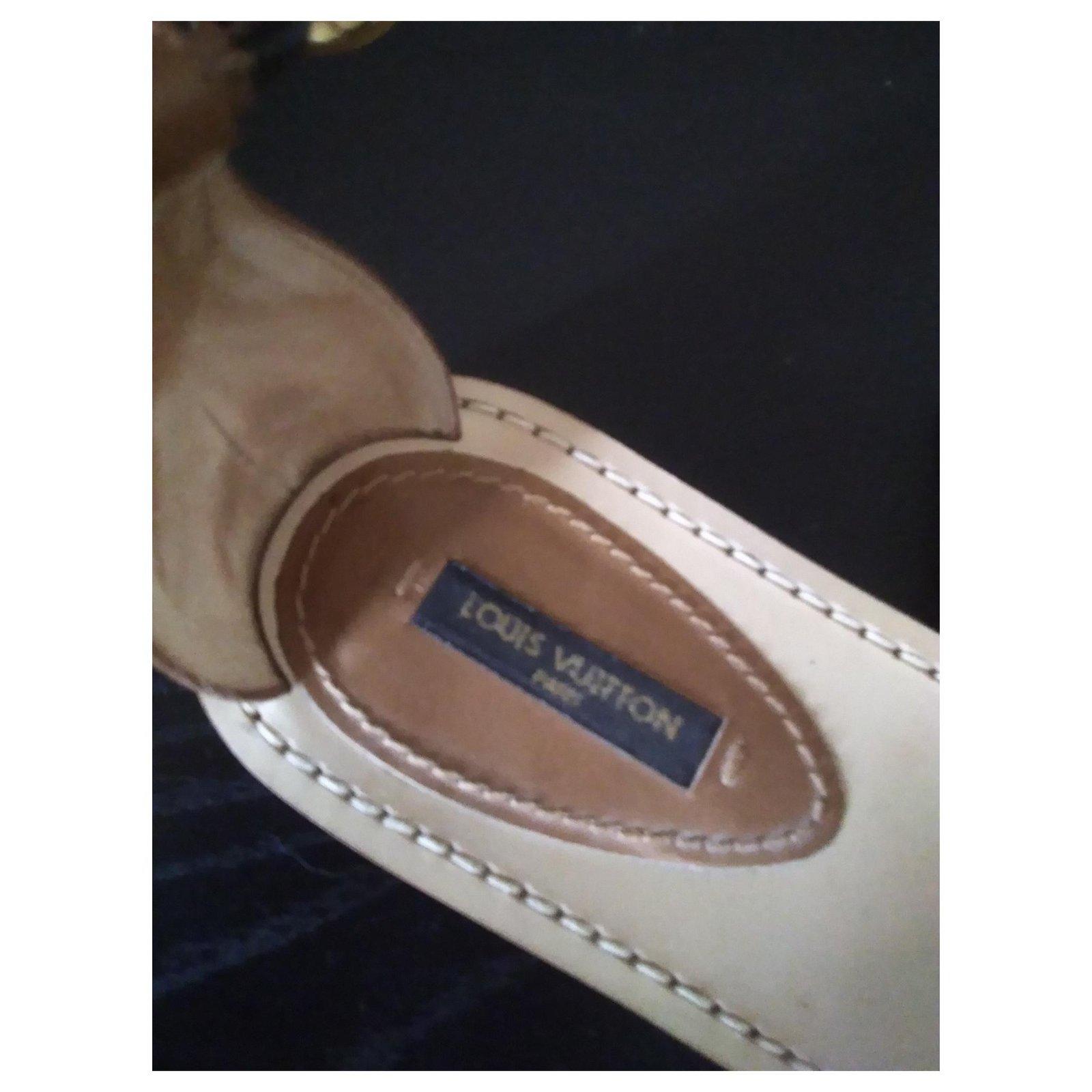 eded9806d03e Louis Vuitton south beach cross Sandals Leather Beige ref.124734 - Joli  Closet