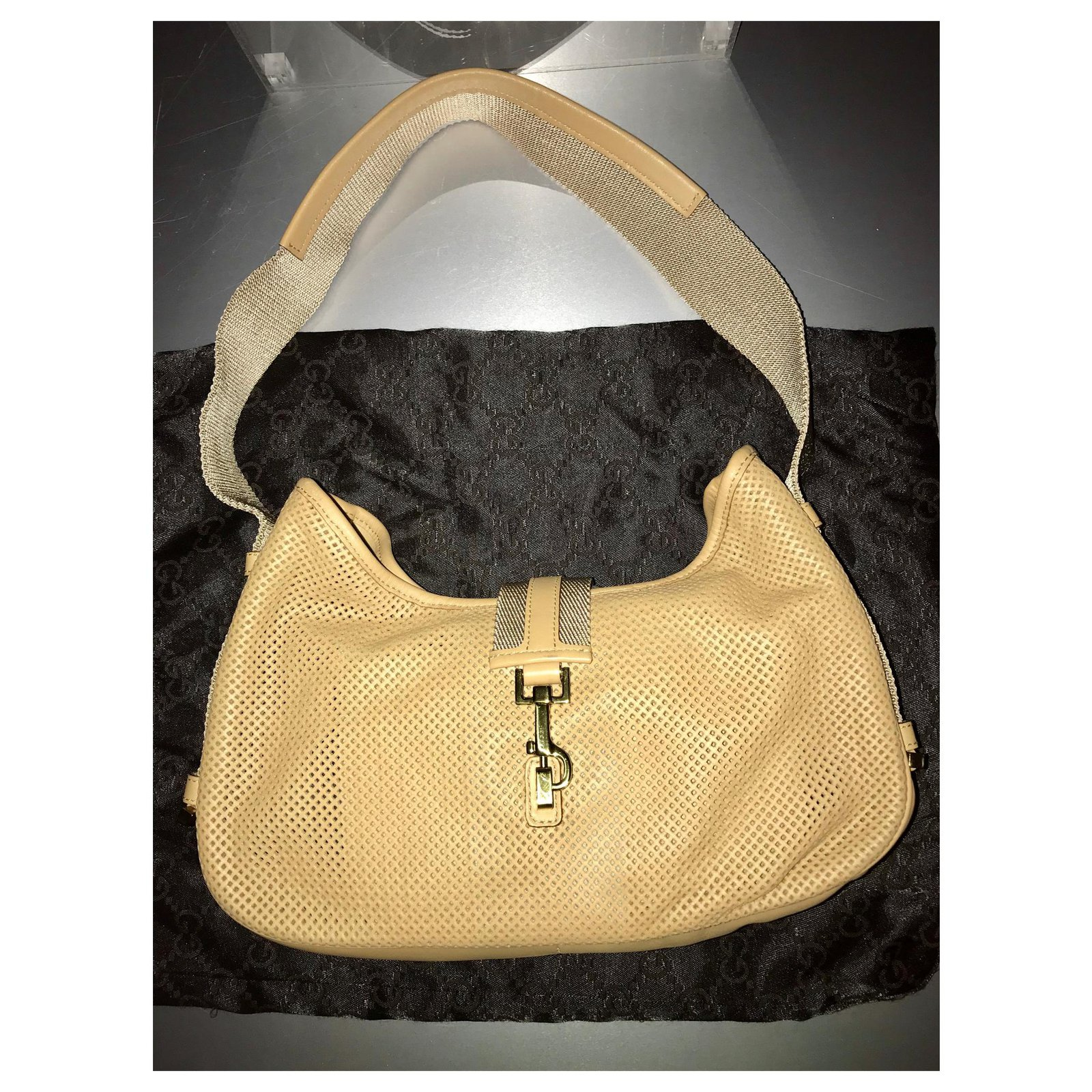 89e31e0d0 Gucci Gucci Jackie Shoulder bag in perforated leather Handbags Leather Beige  ref.124823 - Joli Closet