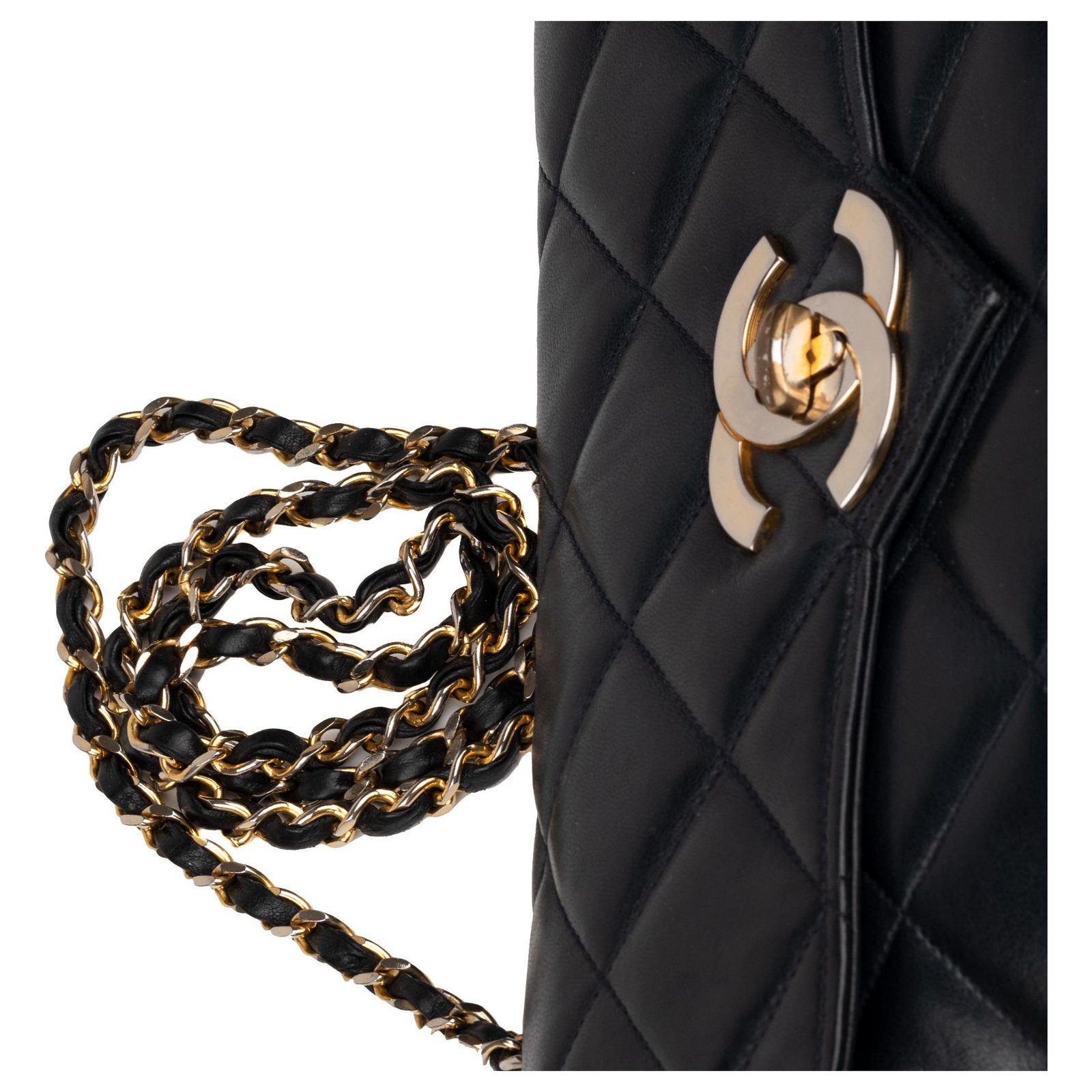 d132ad84e08d Chanel Classic vintage Chanel bag in navy quilted lambskin! Handbags  Lambskin Navy blue ref.124849 - Joli Closet