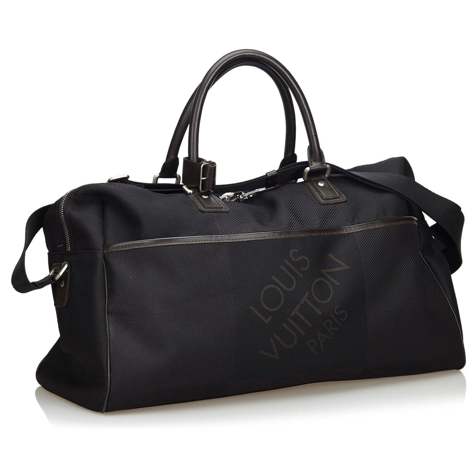économiser 0bc19 3fc6a Louis Vuitton - Sac de sport molletonné en albatros Damier Geant noir