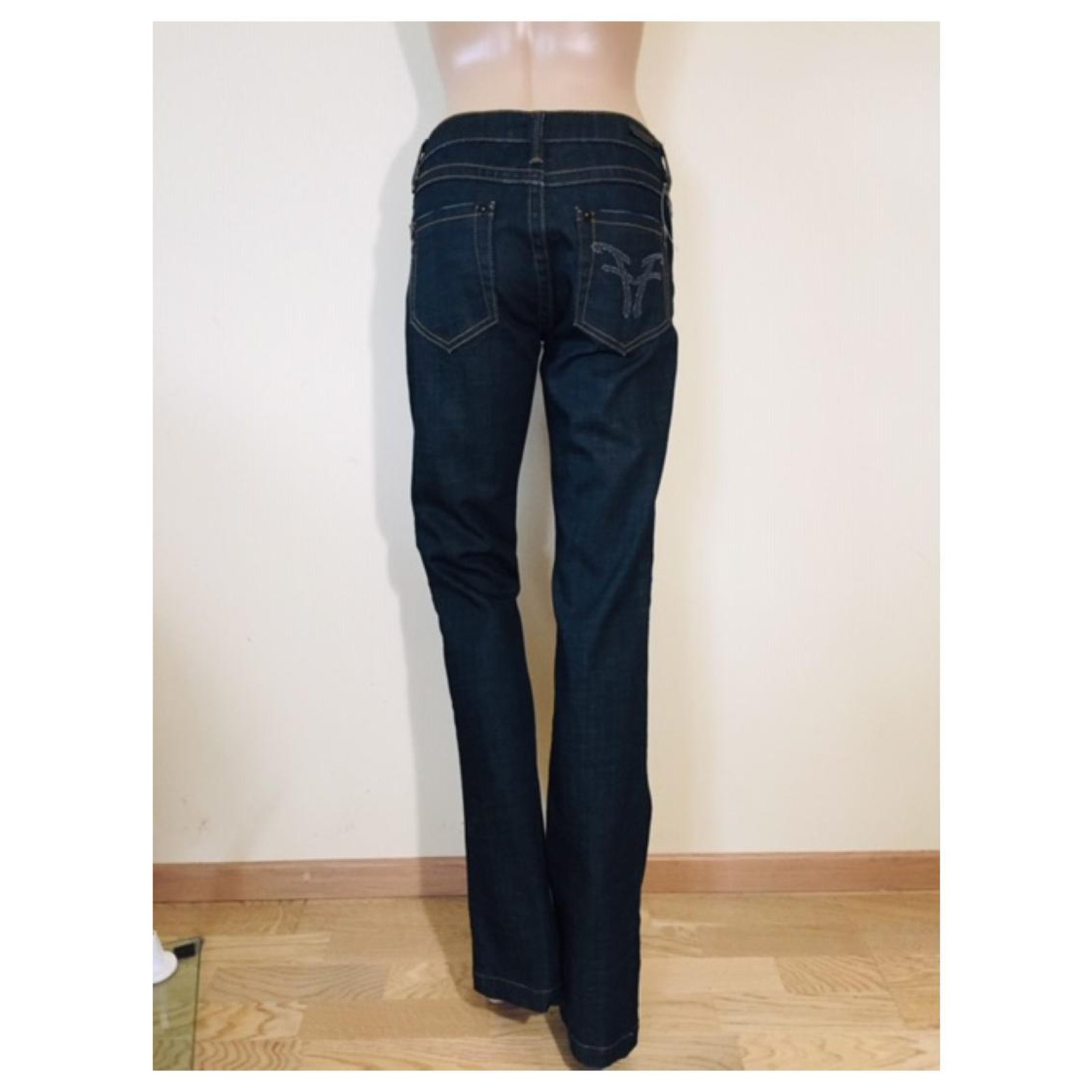 newest caa26 33f0c Jeans