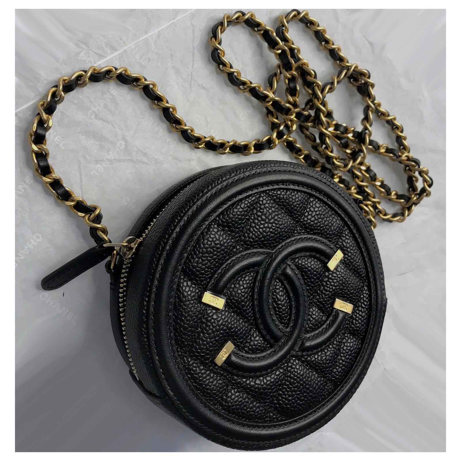 7a87c83efde08 Chanel New CC Filigree Grained Round Chain Crossbody Bag Handbags Leather  Black ref.137611 - Joli Closet