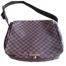 Large Damier Messenger Bag. - Louis Vuitton