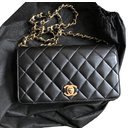 Vintage Wallet on Chain - Chanel