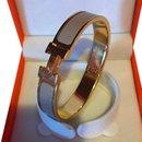 Bracelet Hermès Clic Clac H  Plaqué Or et Émail Sable ou Taupe