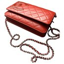 Wallet on chain Cambon rouge - Chanel