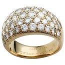 Bague Van Cleef & Arpels en or jaune et diamants.