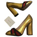 Gold-Gold-Dekolleté - Gucci