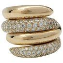 """Bagues Chaumet modèle """"Tango"""" en or jaune, diamants."""