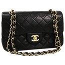 Chanel Noir Classique Moyen Flap Doublé En Peau De Veau