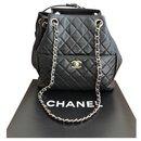 Sac seau Chanel noir avec cordon