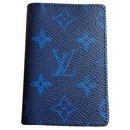 Louis Vuitton taigarama wallet