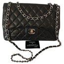 Chanel  Classique Jumbo